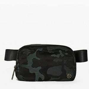 NWT Lululemon 1L Belt bag
